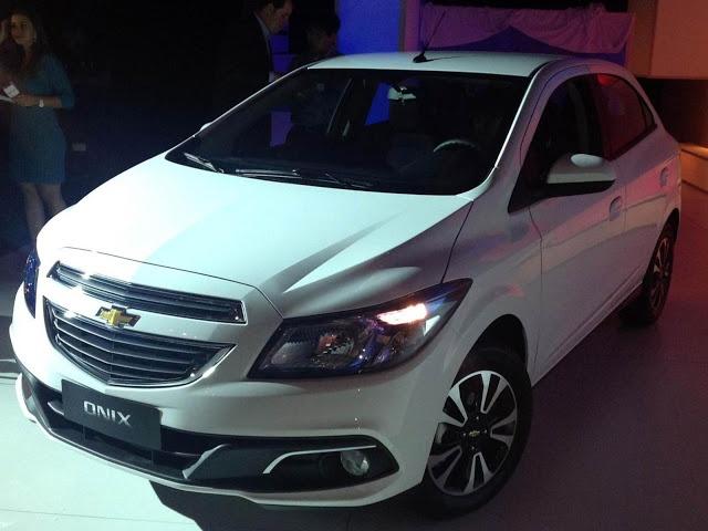 carros Chevrolet lança o Onix no Expo Center Norte, e veiculos Chevrolet lança o Onix no Expo Center Norte