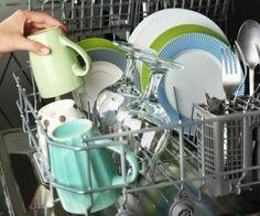 Come pulire la lavastoviglie: ecco i nostri consigli su come pulire la lavapiatti in maniera efficace con prodotti naturali, senza bisogno di chimica.