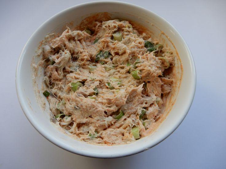 Recept verse makreelsalade zonder pakjes en zakjes. Makkelijk en simpel recept. Borrelhapje of lunch, feestje recept. kleine hapjes