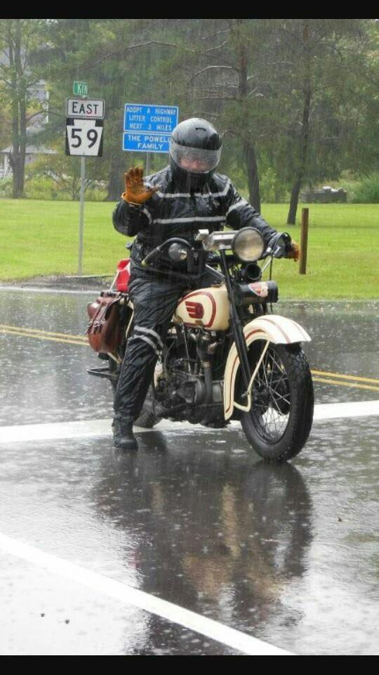 Motorcu Dedigin Motoru Olan Degil Motoru İle Yasayandir. Yasasin Kis Motorculari:)