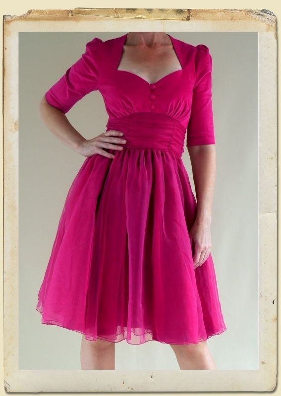 The dreamy Hollywood dress Magenta available in xs, s and xxl.
