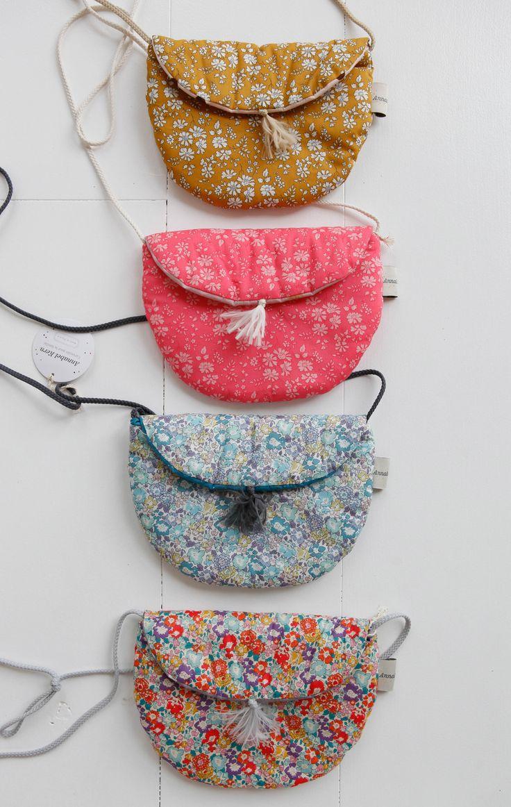Bags in Liberty Fabric Lirumlarumleg.dk |   Photo and styling by Mathilde Andersson