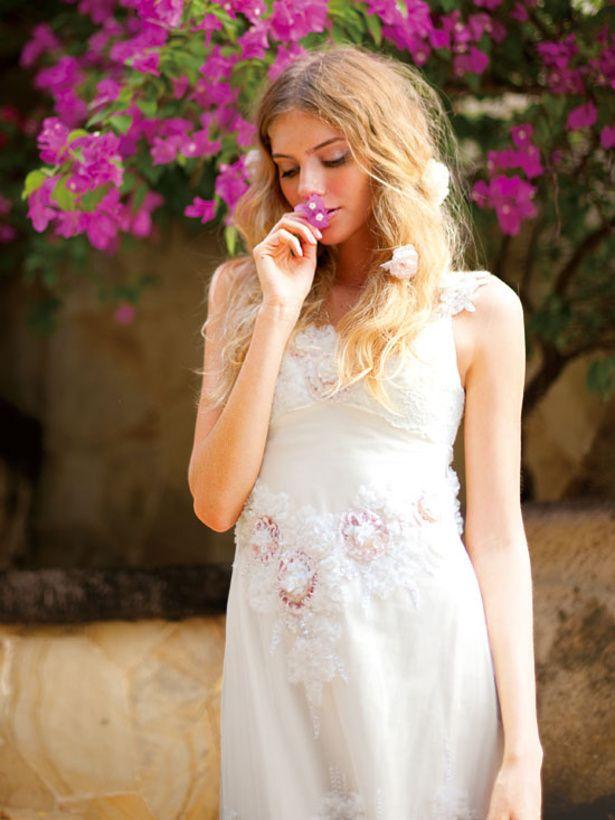 ピンクの花で淡いピンクのドレス風♡ピンクのスレンダー ウェディングドレス・花嫁衣装・カラードレスのまとめ一覧♡