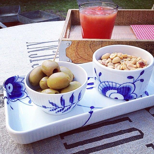 #summer #drinks #garden #royalcopenhagen #blueflutedmega #evasolo #blåmegariflet #blåmegamussel #megamussel #rcspam #myroyalcopenhagen