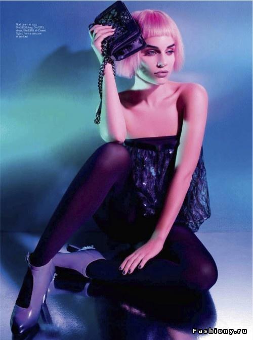 Фотосессия под названием «Material Girl» для журнала Harper's Bazaar Arabia за сентябрь 2012. В съемках принимала участие модель Мишель (Michelle).