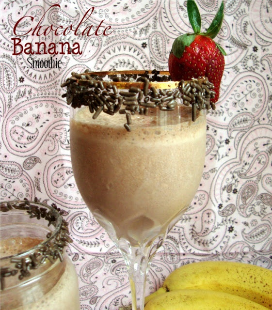 Chocolate Banana Smoothie @chocolatechocolateandmore.com #smoothie #banana #chocolate