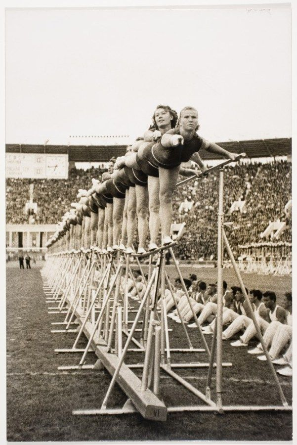 Lisa Larsen, [Precision drill of gymnasts from trade union schools, Lenin Stadium, Moscow], 1956