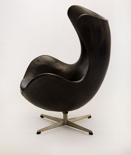 cool 12 Famous Chairs Designed By Famous Architects