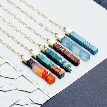 Resin Necklaces pendant. Pendentif, collier en résine