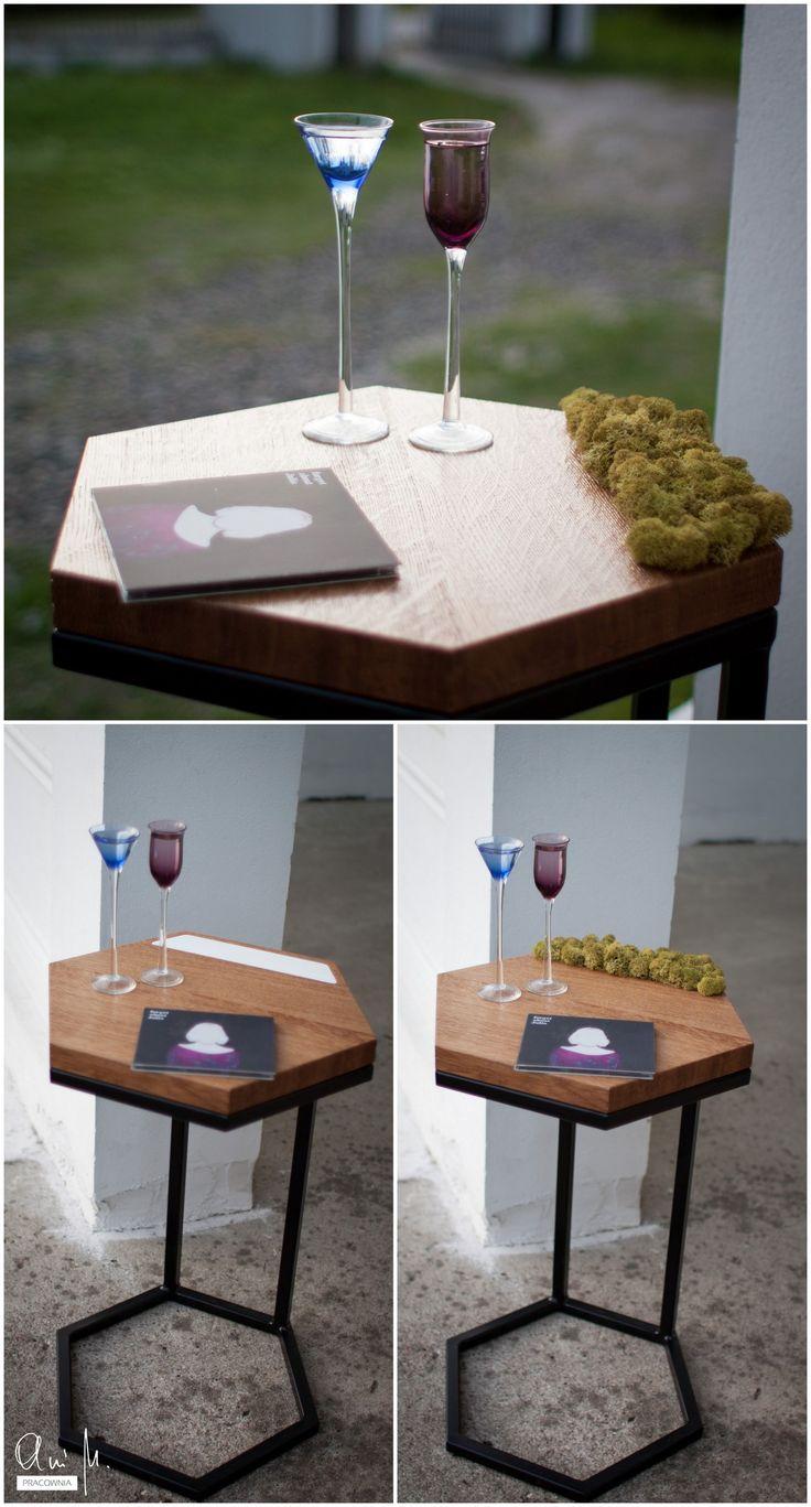 Bo pszczoły wiedzą lepiej... Stolik pomocniczy w kształcie plastra miodu z mchem wymiennym na panel w kolorze białym./ Bees know better... Side table in a shape of honeycomb with moss replaceable for white panel.