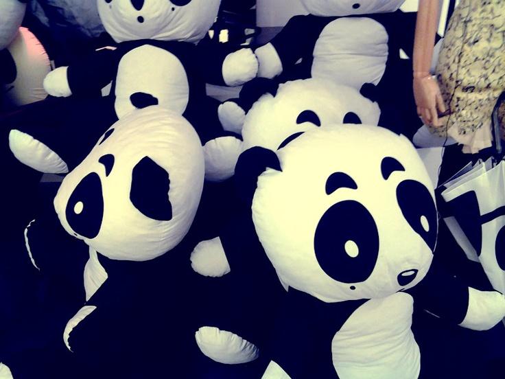 Cute panda stuffed toys (HKG)  (http://discovgraphies.blogspot.com/2012/06/in-art-we-live.html)Stuffed Toys, Toys Hkg, Pandas Stuffed, Cute Pandas