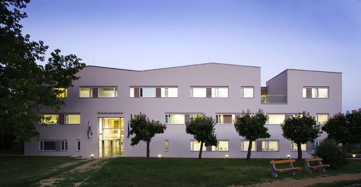 Almádi health centre by Földes Architects, Hungary. Facade, entrance and lighting.   contemporary architecture and design