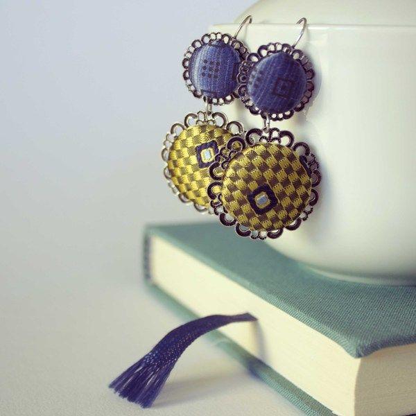 Orecchini con bottoni rivestiti seta di cravatte di C-Lab.Atelier su DaWanda.com