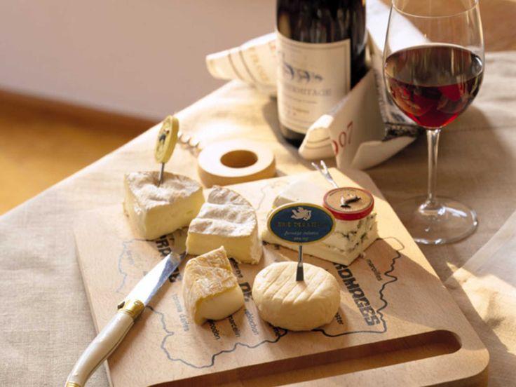 Perfect Pairings: Kosher Cheese and Kosher Wine.