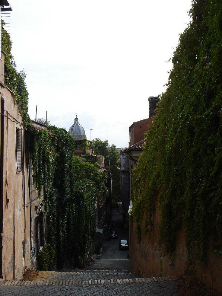 Zatybrze to dzielnica malowniczych uliczek i starożytnych zabytków. Zobacz co warto zwiedzić w tej części Wiecznego Miasta. Jakie zabytki czekają na gości?