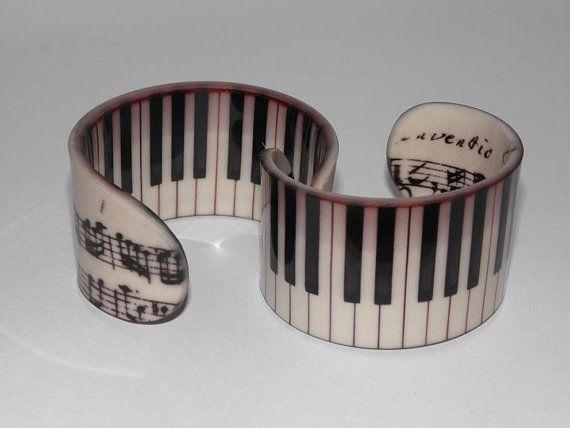 Musik Schmuck  Klavier  MusikArmband  schwarz & von JabaleeDesign, $40.00