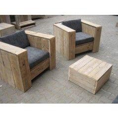 Loungestoel van steigerhout model Arnhem. De stoel heeft een zithoogte van 32 cm en een zitvlak van  60x60 cm. Wij kunnen ook kussens leveren voor deze loung-stoelen van steigerhout in alle soorten en maten.