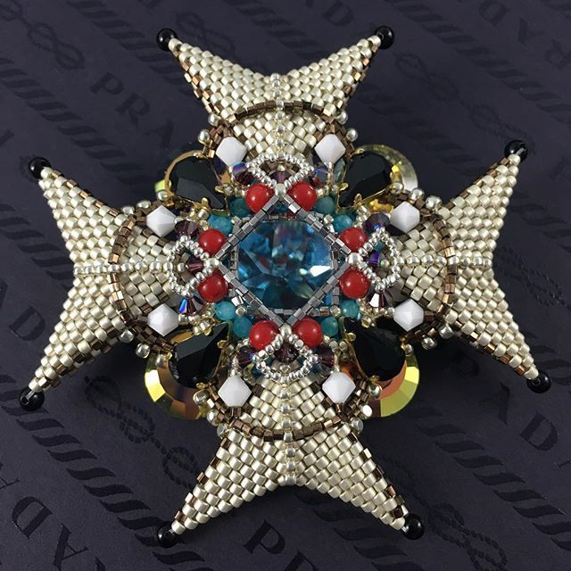 #орден #брошь #brooch #handmade #jewelry #accesory #beads #swarovski #crystals #unique #bysvetlana