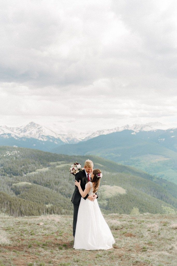Vail Mountain Wedding Deck Vail Wedding Photographer Lucy And Andy Wedding Vail Colorado Mountain Wedding Venues Mountain Wedding Venues