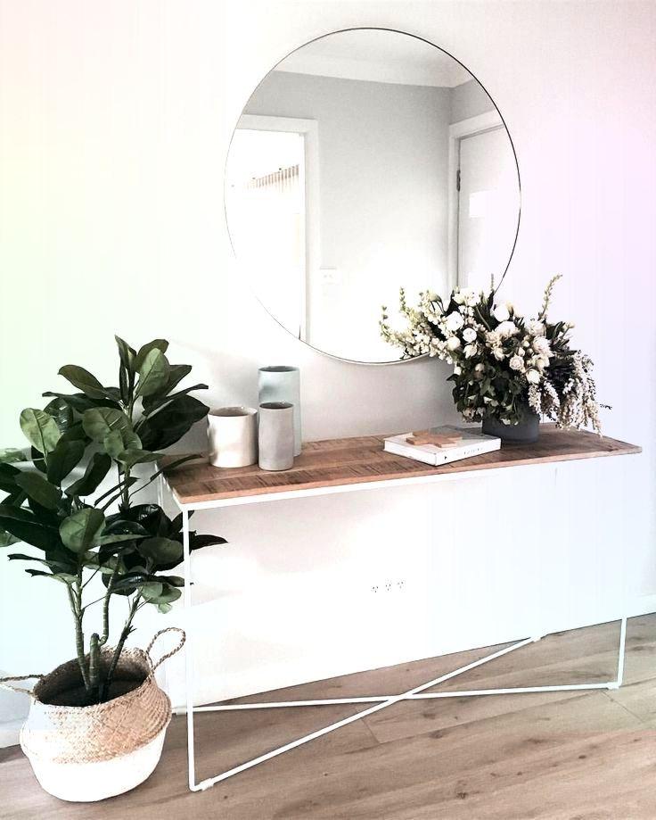 Perfektes Sideboard Runder Spiegel Und Pflanzen Fur Den Flur Ich