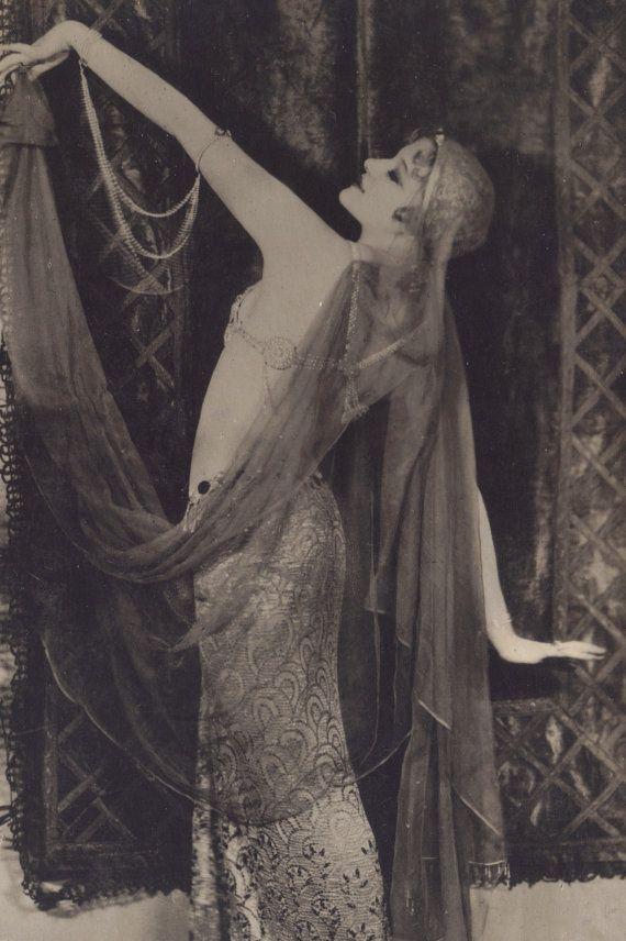 Greta Nissen, Harem Dance um 1920 – #20s #Dance #G…