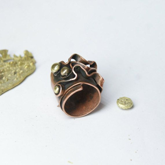 Unique ring. Copper ring with bronze balls. by JewelryPleaseShop