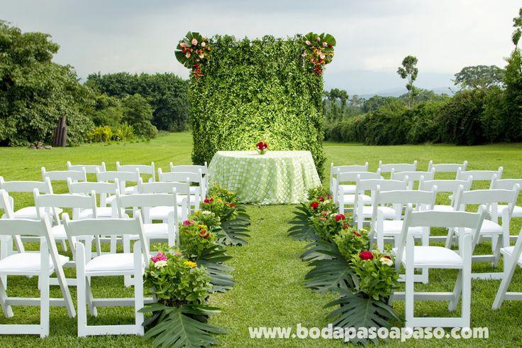 El encanto del ambiente proporciona el escenario perfecto for Adornos boda jardin