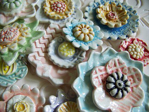 ceramic flowers: Clay Plays, Diy Crafts, Ceramic Flowers, Handmade Ceramics, Clay Flowers, Pottery Flowers, Photo, Handmade Flowers, Ceramics Flowers