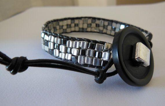 Metallic beaded Leather wrap Bracelet. Woven glass by LeelysBeads, €25.00