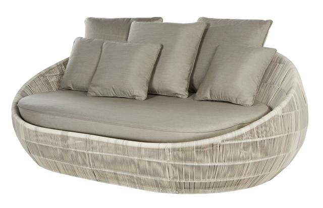 Riviera Round Daybed in Whitewash Polyrod #globewest #contemporary #style #outdoor #furniture