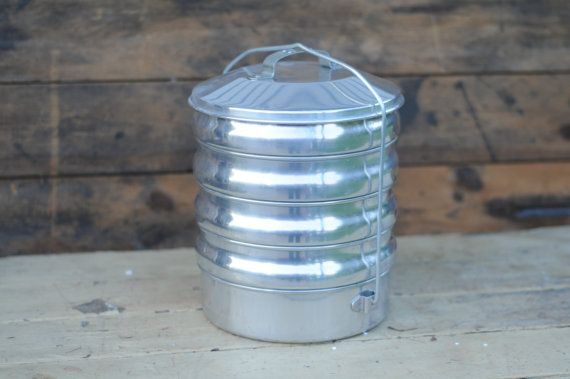 Regal Aluminum Picnic Pack Stacking Pie Food Carrier