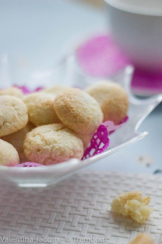 Biscoitos de amêndoas e claras on http://trembom.com