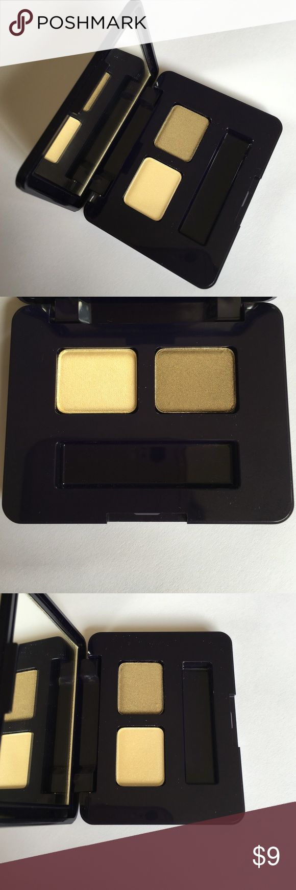 This is Free Gift Estée Lauder Duo Green Eyeshadow This is a free gift with any purchase from my closet. Brand new, except for missing applicator. Listing is for Estée Lauder duo eye shadow. Color is called: #04 Sage (light and dark color green) Estee Lauder Makeup Eyeshadow