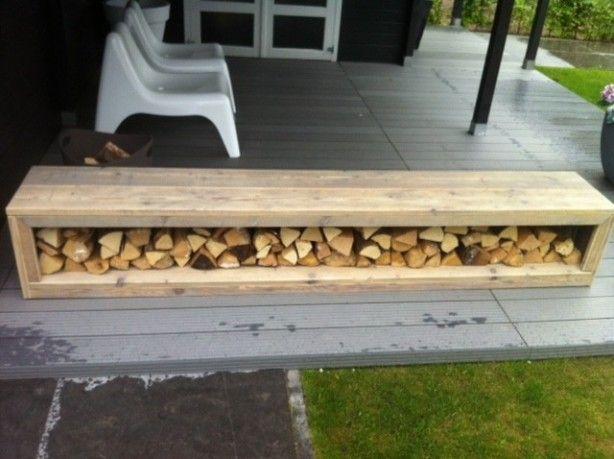 Kachelhout opbergen, tevens als loungebank of tafel te gebruiken