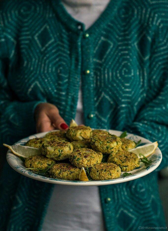 Vegan meatballs wuth oatbran, cauliflower, hazelnuts and rucola http://www.unavnelpiatto.it/ricette/seconde-portate/polpette-avena-cavolfiore-rucola-nocciole.php