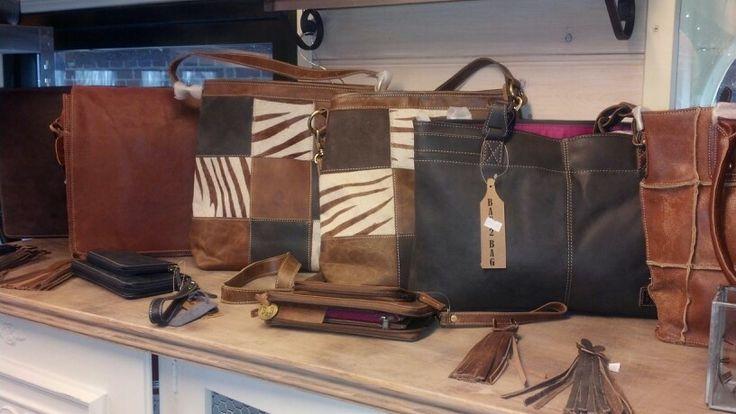 In januari en februari gratis keychain bij aankoop van een Bag2Bag tas of wallet via www.tbakhuusonline.nl