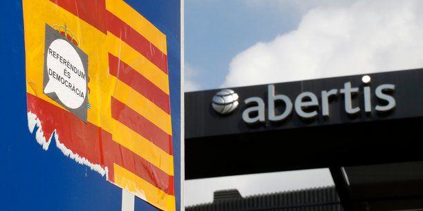Avec ces départs, il ne reste plus en Catalogne qu'un groupe coté à l'Ibex 35, l'indice des valeurs-vedettes de la Bourse de Madrid, contre sept en début de semaine dernière.