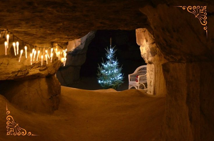 Christmas market 12 metres under ground in the Tykarp cave (actually a mine) 4-6 december 2015 | Tykarpsgrottan: Upplev en fantastisk och ovanlig julmarknad 12 meter under jord. Bland pelarsalar och underjordiska gångar finner ni ett tjugotal utställare. Ovan jord finner ni fler utställare med vackert hantverk. Här kan ni också rida och mysa med gosiga hästar.
