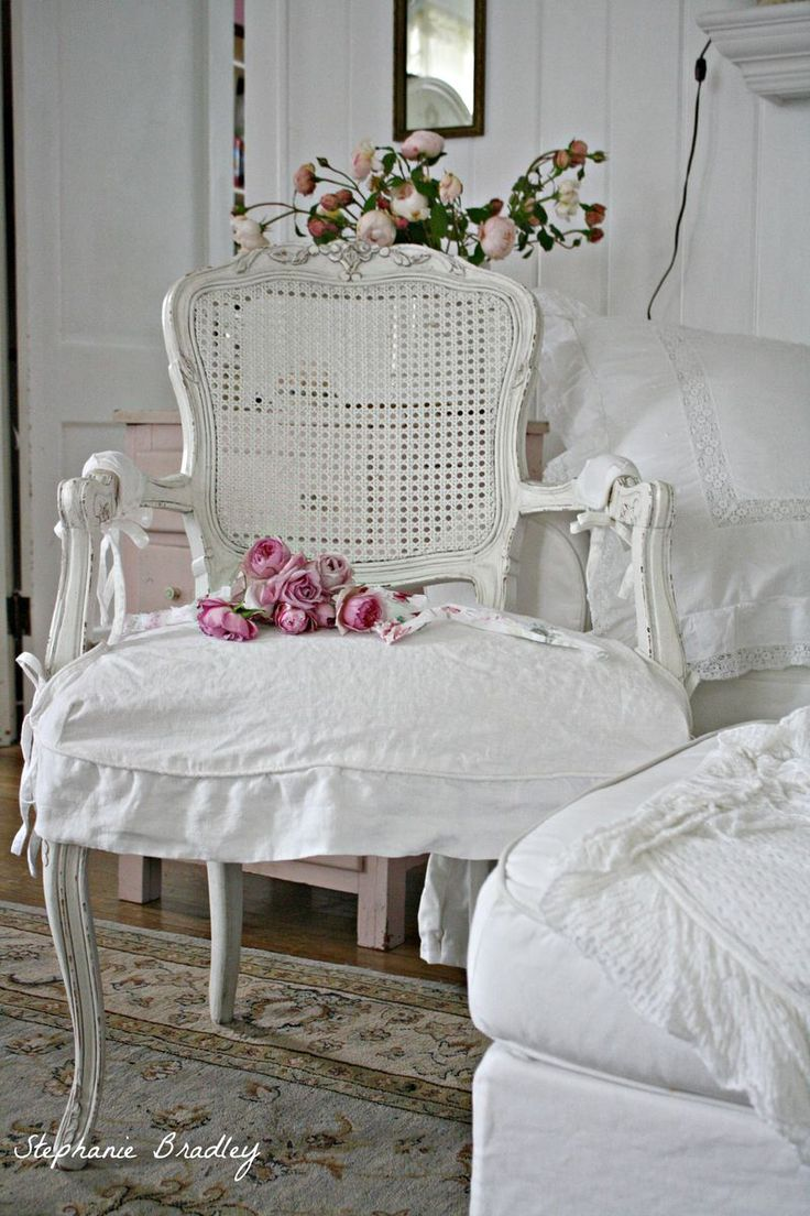 Best 25 Shabby Chic Chairs Ideas On Pinterest