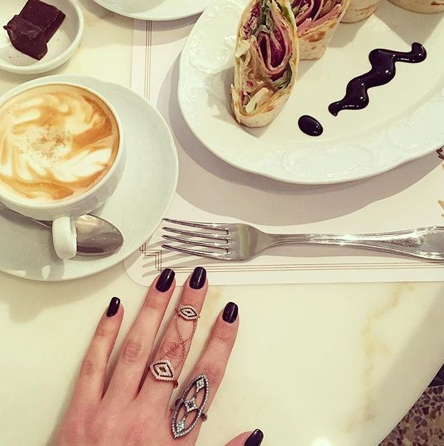 Bonjour! Sunday...and we're feeeeeelin goooood! #Brunching with some @LaVieJewelry bling. Shop the rings on sale now! #wecreateharmony #lavie  Shop the rings here: bit.ly/1Hsts4R
