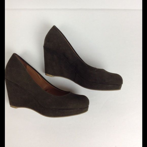 Olive Green Wedges Comfy suede wedges in navy blue. 3-inch wedge. Excellent condition. Also available in navy blue. ❌NO TRADES❌ Nine West Shoes Wedges