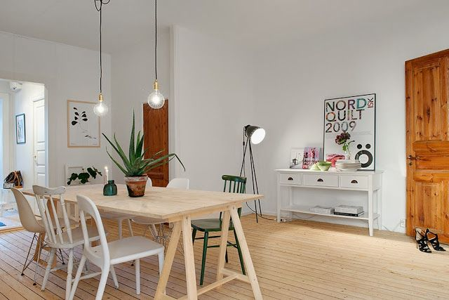 Light wood, white walls and a touch of vintage