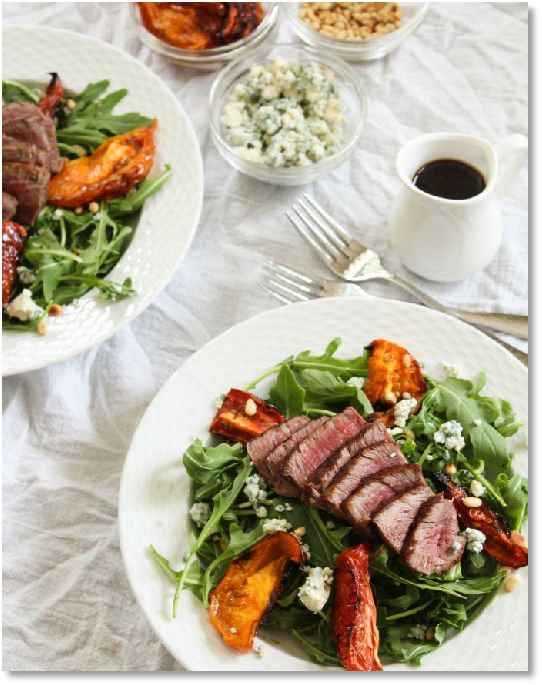 Low FODMAP Seared beef salad with blue cheese dressing -  gluten free   http://www.ibssano.com/low_fodmap_recipe_seared_beef_blue_cheese.html