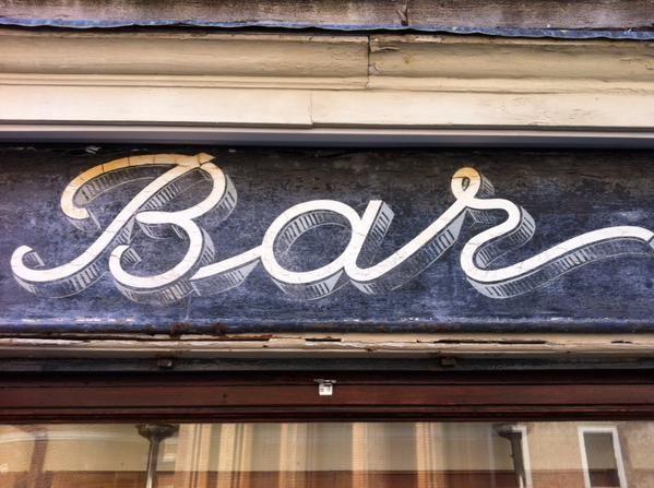 Bar #tipografia #venezia Rosa Salva  via @JakeTilson
