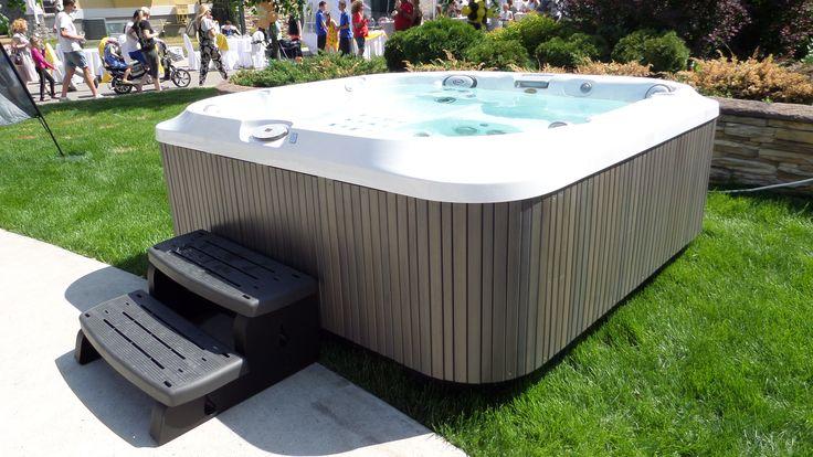 1000 images about spas jacuzzi en ext rieur on pinterest backyards chalets and villas. Black Bedroom Furniture Sets. Home Design Ideas