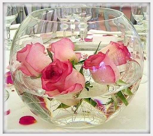 Floating Rose Centerpiece: Wedding Reception Floating Roses Centerpiece Idea