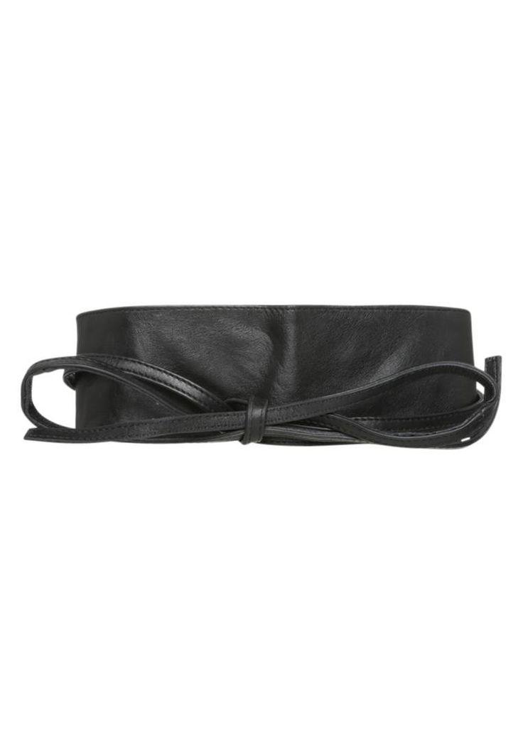 Pieces. VIBS  - Cintura - black. #cintura #cinture #vitaalta #zalandoIT #fashion Composizione:100% Pelle. Chiusura:Nodo. Altezza del modello:La persona nella foto è alta 180 cm e veste una taglia 75. Larghezza:7.5 cm nella taglia 75. Fantasia:monocromo