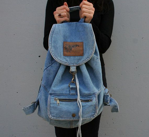 I can't do this but it would be sew cool! Great way to use old jeans!(haha see what I did there)