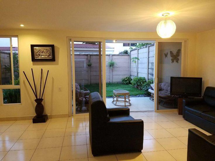 ¿Andas en busca de una casa en alquiler en Condado Santa Rosa en Santa Tecla?