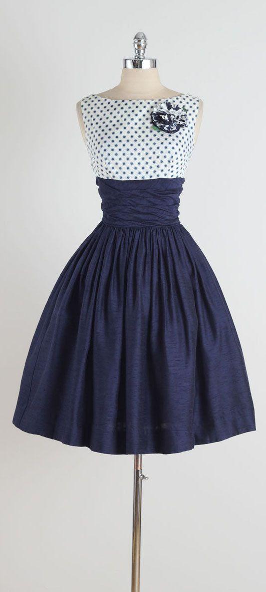 Más de 30 vestidos azules que podrías usar en una fiesta o evento formal   Vestidos Glam